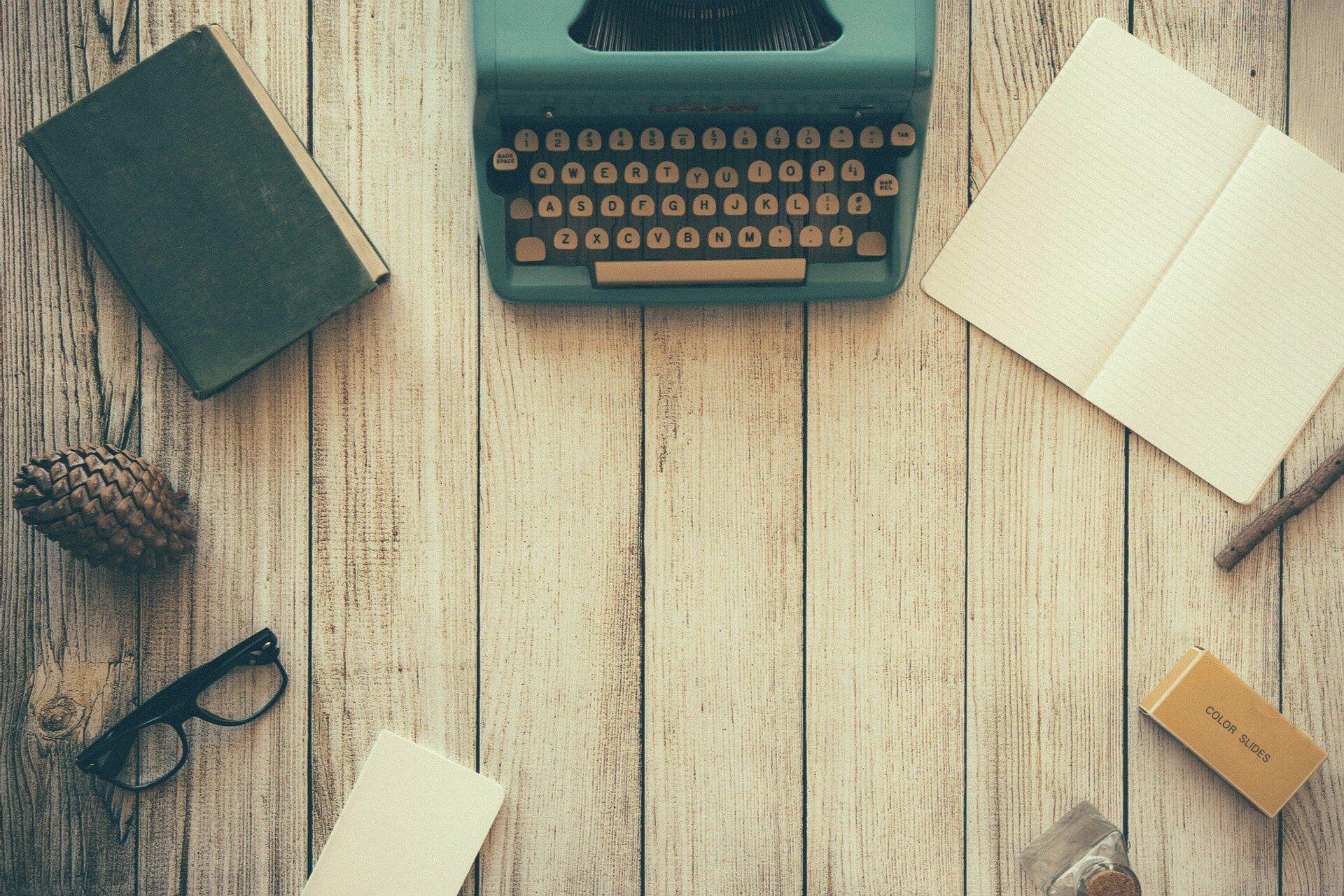Okładka - pisanie dziennika Źródło: pixabay, licencja: CC 0.
