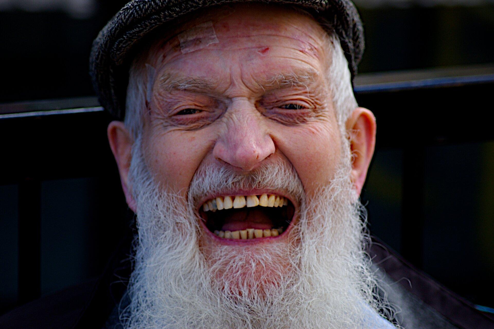 Śmiejący się mężczyzna Śmiejący się mężczyzna Źródło: Southbanksteve, licencja: CC BY 2.0.