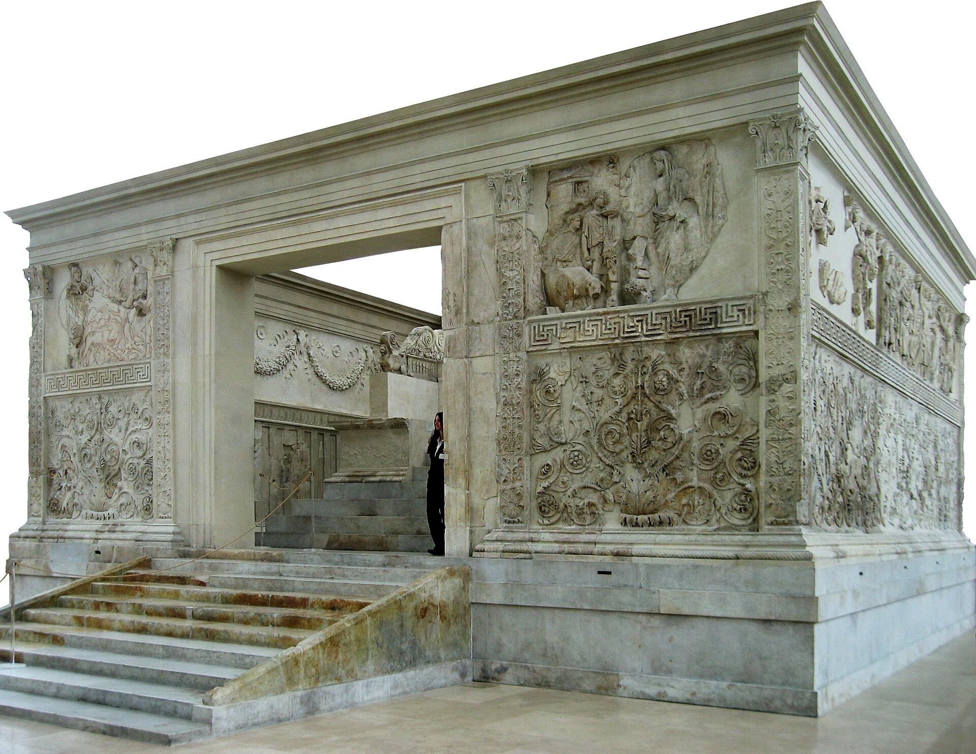 Ołtarz Pokoju został zrekonstruowany w1938 roku przy użyciu oryginalnych elementów Ołtarz Pokoju został zrekonstruowany w1938 roku przy użyciu oryginalnych elementów Źródło: Manfred Heyde, Wikimedia Commons, licencja: CC BY-SA 3.0.