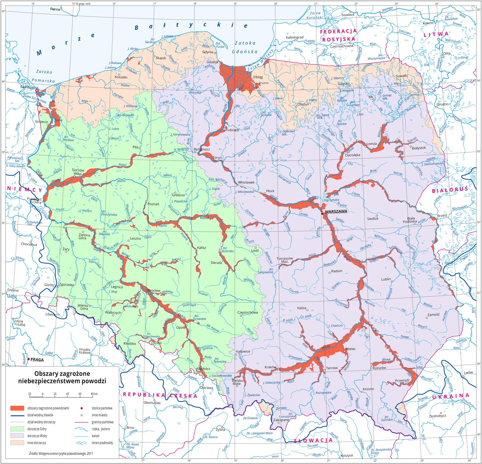 Mapa terenu Polski prezentująca obszary najbardziej zagrożone wystąpieniem zjawiska powodzi. Kraj został podzielony kolorami na obszary dorzeczy Wisły, Odry oraz innych rzek, amiejsca szczególnie zagrożone wyróżniono czerwoną barwą. Zmapy wynika, że praktycznie całe obszary przyległe do koryt dwóch największych rzek kraju, atakże wielu innych znajdują się wstrefach zagrożenia powodziami.