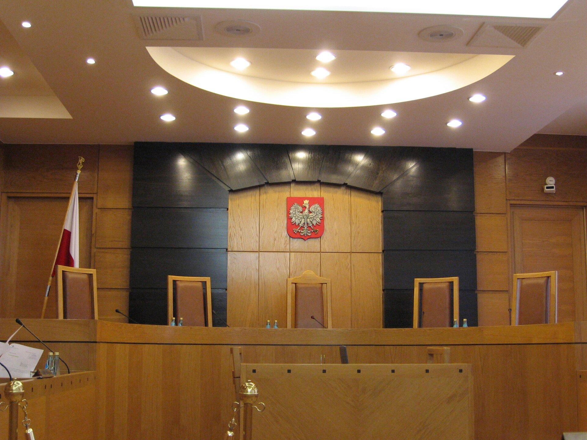 Sala Trybunału Konstytucyjnego Źródło: Joanna Karnat, Sala Trybunału Konstytucyjnego, licencja: CC BY 3.0.