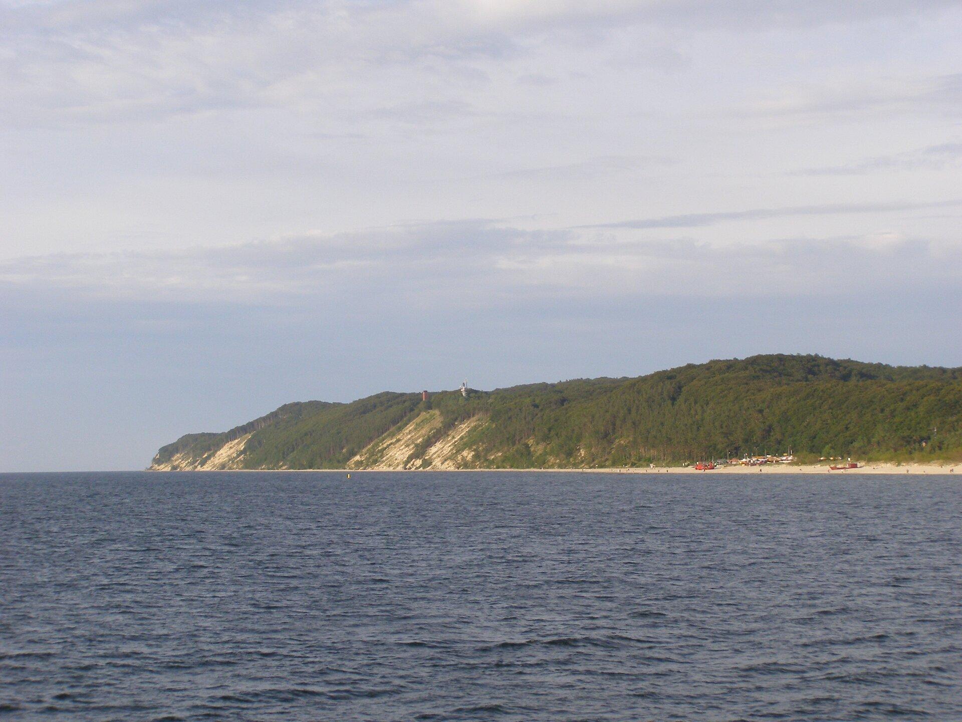 Malowniczy klif na wyspie Wolin