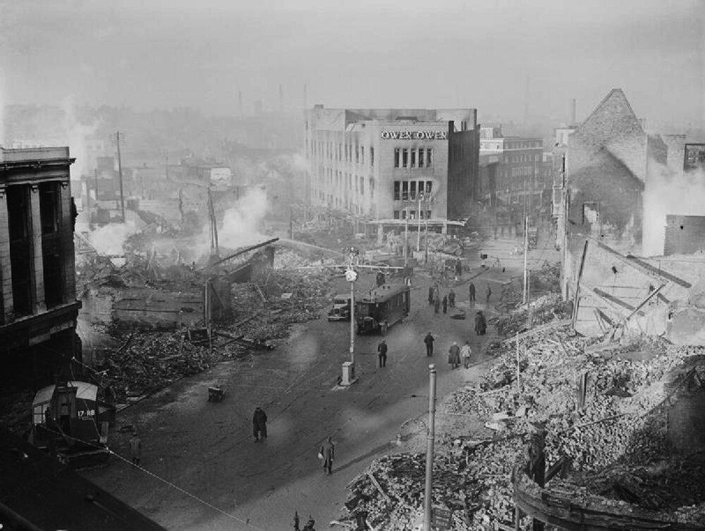 Coventry Blitz - niszczycielskie bombardowanie Luftwaffe Coventry Blitz - niszczycielskie bombardowanie Luftwaffe Źródło: domena publiczna.