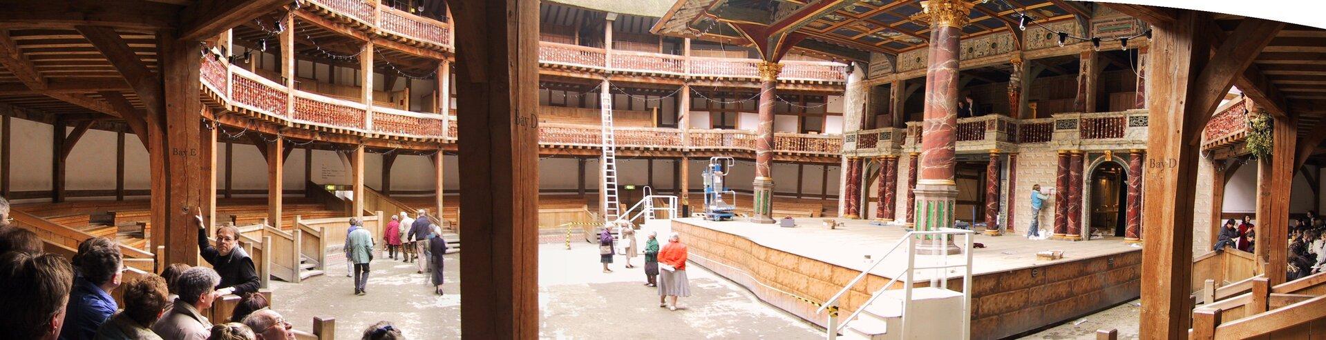 na zdjęciu przedstawiona zostałaPanorama Teatru Globe wLondynie