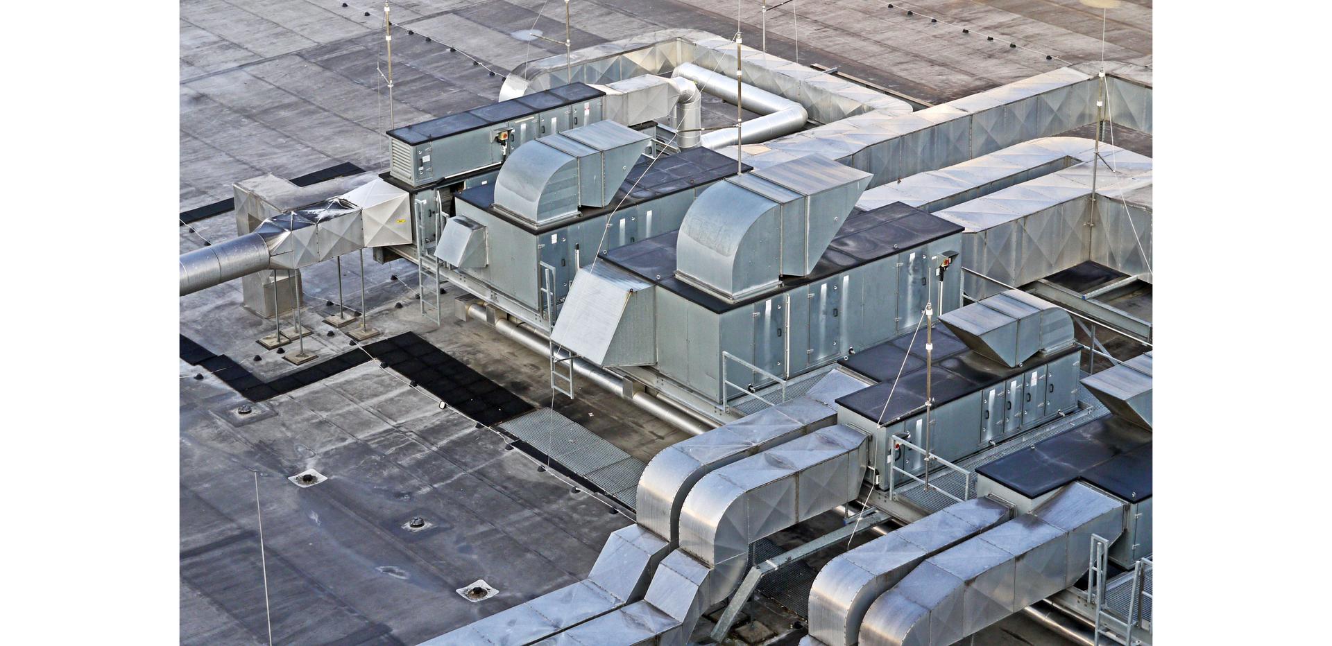Ilustracja przedstawia czerpnię powietrza dachową.