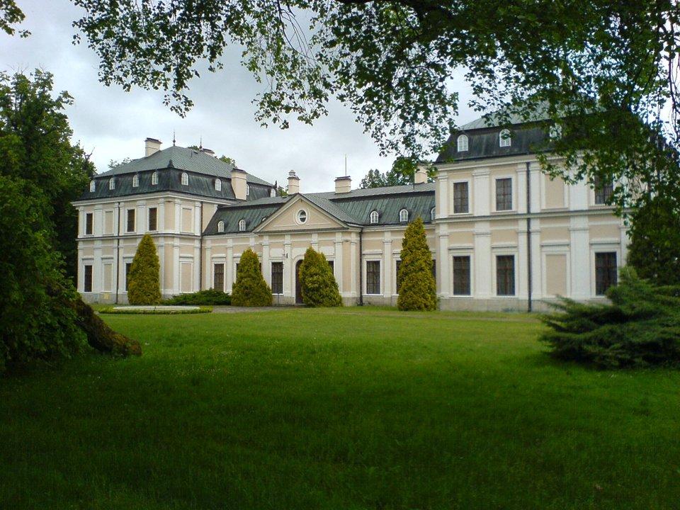 Pałac wSieniawie Pałac wSieniawie Źródło: Korona b, Wikimedia Commons, licencja: CC BY-SA 3.0.
