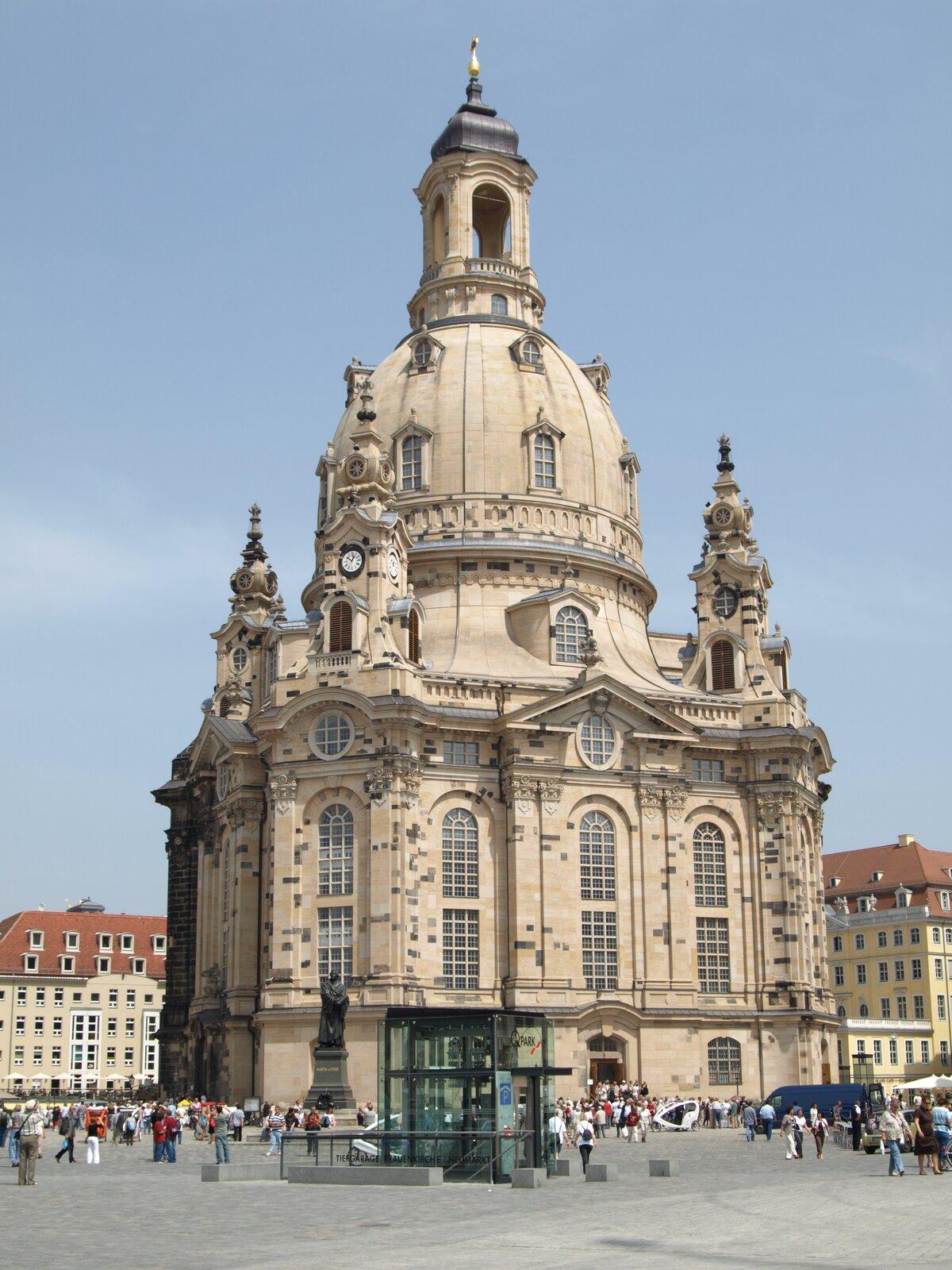 Budowle barokowego Drezna:Kościół Marii Panny Budowle barokowego Drezna:Kościół Marii Panny Źródło: Tjbobersen, Wikimedia Commons, licencja: CC BY 3.0.