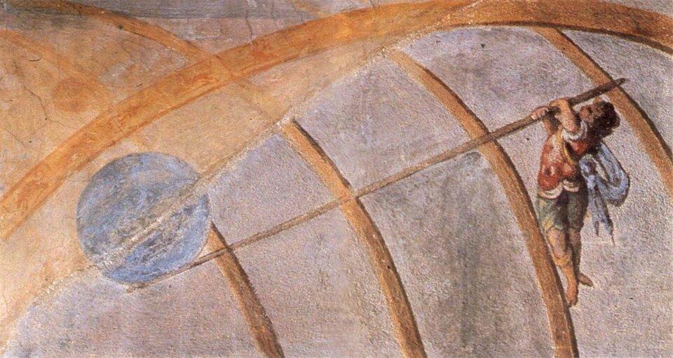 Ilustracja przedstawia fragment fresku, na którym kula wyobrażająca Ziemię po lewej stronie malowidła podpierana jest długim ukośnym drągiem, na końcu którego po prawej stronie wisi człowiek ubrany wstaromodny strój. Wszystko to znajduje się na tle łukowatych brązowych linii stanowiących fragment większej całości, nierozpoznawalnej wtym ujęciu.