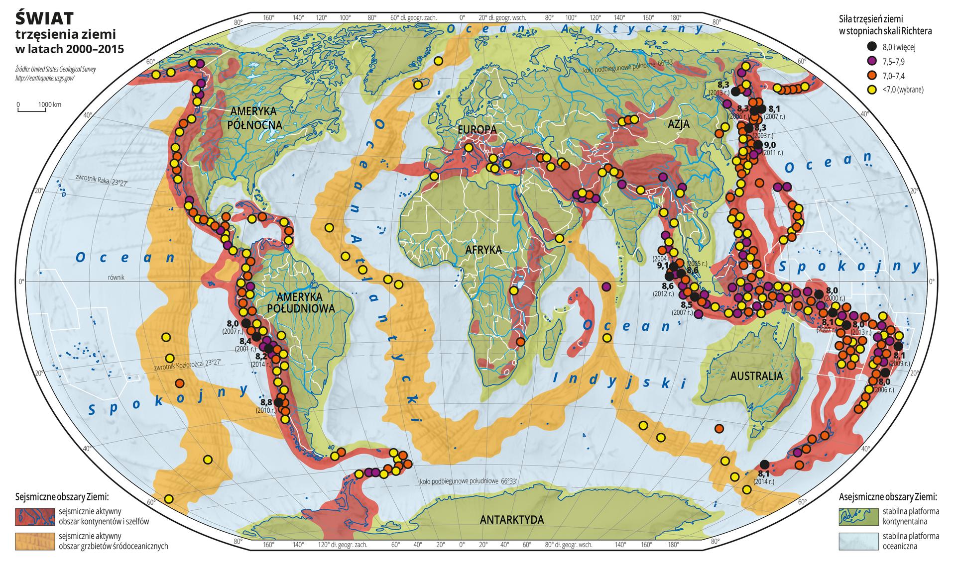 Ilustracja przedstawia mapę świata. Opisano kontynenty. Opisano oceany. Na mapie zaznaczono sejsmiczne obszary Ziemi: kolorem czerwonym – sejsmicznie aktywny obszar kontynentów iszelfów, kolorem pomarańczowym – sejsmicznie aktywny obszar grzbietów śródoceanicznych oraz asejsmiczne obszary Ziemi: kolorem zielonym stabilną platformę kontynentalną, kolorem niebieskim – stabilną platformę oceaniczną. Na mapie kolorowymi punktami zaznaczono trzęsienia ziemi wlatach od dwa tysiące do dwa tysiące piętnaście. Na mapie przeważa kolor zielony wobrębie lądów iniebieski wobrębie mórz. Przez środek każdego zoceanów przebiega pomarańczowy pas oznaczający sejsmicznie aktywny obszar grzbietów śródoceanicznych. Wzdłuż zachodnich wybrzeży obu Ameryk, na południu Europy oraz wzdłuż wschodnich wybrzeży Azji ina wyspach Oceanu Spokojnego znajduje się oznaczony kolorem czerwonym sejsmicznie aktywny obszar kontynentów iszelfów. Wjego obrębie umieszczono kolorowe (żółte, pomarańczowe, fioletowe iczarne) punkty obrazujące siłę trzęsień ziemi wstopniach skali Richtera. Najwięcej jest punktów wkolorze żółtym. Punkty czarne na mapie opisano wartościami idatą wystąpienia trzęsienia ziemi. Maksymalna wartość wynosi dziewięć ijedna dziesiąta stopnia wskali Richtera imieści się wrejonie Archipelagu Malajskiego. Mapa pokryta jest równoleżnikami ipołudnikami. Dookoła mapy wbiałej ramce opisano współrzędne geograficzne co dwadzieścia stopni. Po obu stronach mapy na dole umieszczono kolorowe prostokąty zopisem sejsmicznych iasejsmicznych obszarów Ziemi. Po prawej stronie na górze mapy umieszczono kolorowe punkty zopisem siły trzęsień Ziemi wskali Richtera. Wydzielono cztery kategorie: punkty żółte – trzęsienia ziemi osile poniżej siedmiu stopni wskali Richtera, punkty pomarańczowe – trzęsienia ziemi osile od siedmiu do siedem icztery dziesiąte stopnia wskali Richtera, punkty fioletowe – trzęsienia ziemi osile od siedmiu ipół do siedem idziewięć dziesiątych stopnia wskali Richtera, punkty czarne – trzę