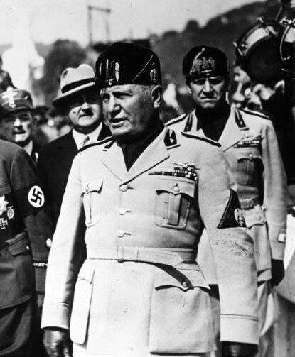 Benito Mussolini Benito Mussolini Źródło: Bundesarchiv, Bild 183-2007-1022-506, licencja: CC BY-SA 3.0.