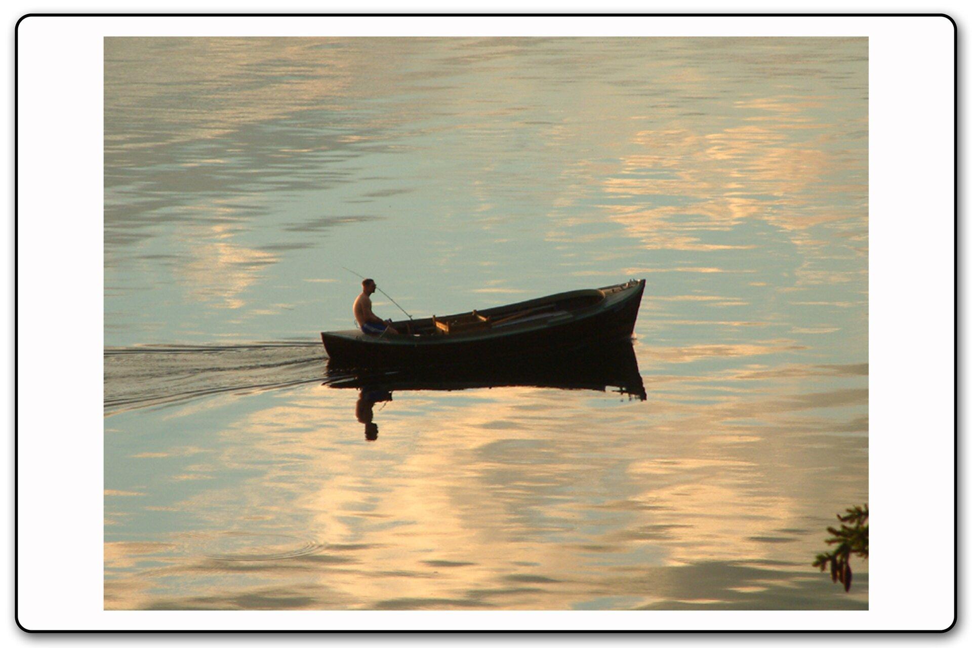 Slajd 14 galerii fotografii przedstawiającej lustrzane odbicie