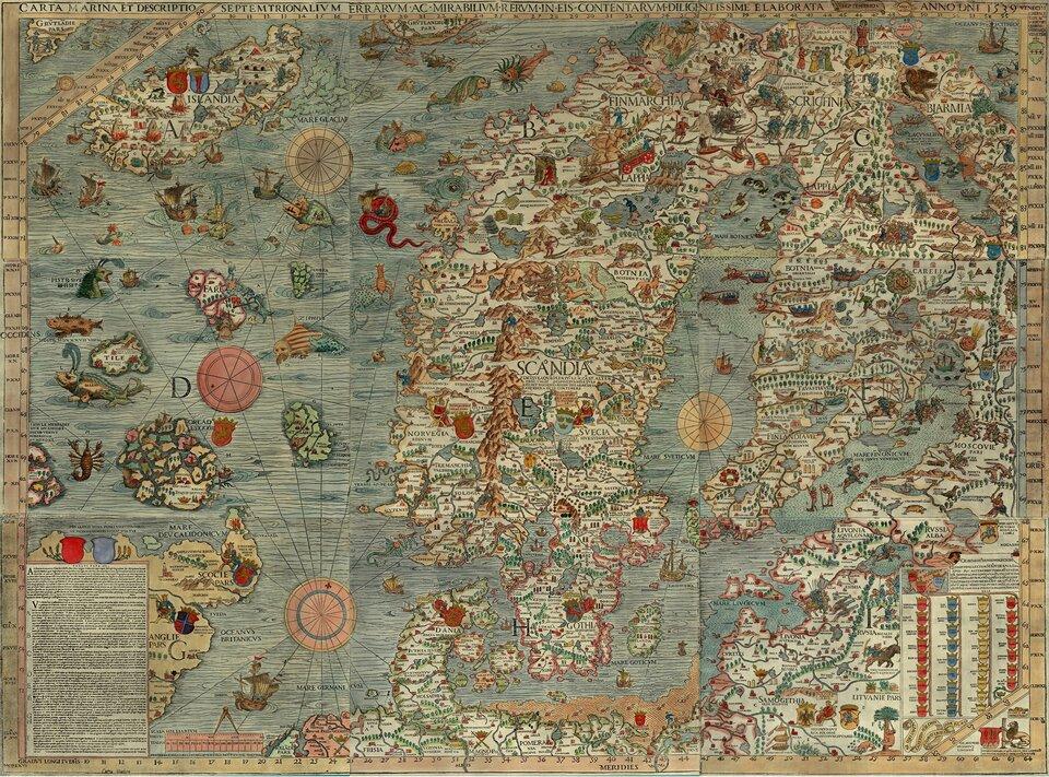 Ilustracja to mapa Skandynawii wykonana wszesnastym wieku. Mapa przedstawia nie tylko informacje związane zrozmieszczeniem najważniejszych miast, rzek, gór imórz. Na kolorowej mapie znajdują się rysunki mieszkańców krajów skandynawskich. Kolorowe postacie wykonują różne codzienne czynności. Widoczni są kupcy jadący na wozach drewnianych. Rybacy brodzący wwodzie. Na mapie przedstawieni są również żeglarze na łodziach. Wcentralnej części mapy przedstawieni są łucznicy na polowaniu. Myśliwi trzymają łuk wdłoniach kierując strzałę wstronę zwierząt. Na niebieskim kolorze wskazującym morza iocean znajdują się rysunki potworów morskich. Są to olbrzymie czerwone węże pływające wgłębinach. Foki zolbrzymimi wąsami ipasami wzdłuż ciała. Ryby wielkości wielorybów zgrzywą wokół głowy. Iwiele innych.