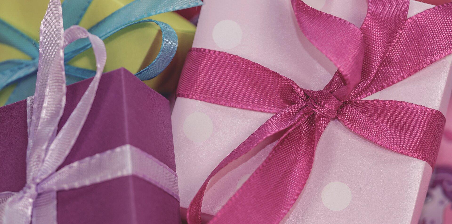 …i prezentów …i prezentów Źródło: domena publiczna.