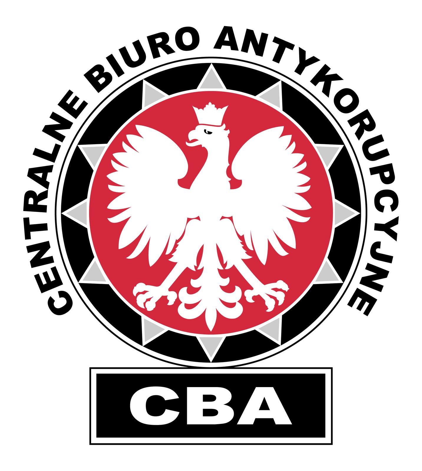 Ilustracja przedstawia okrągłe logo CBA. Koło zczarną ramką. Wnętrze koła czerwone. Na tle czerwonego koła biały orzeł zkoroną na głowie. Głowa skierowana wlewo. Wokół czerwonego koła trójkątne srebrne wypustki. Wokół czarnej obwódki koła czarny napis: Centralne Biuro Antykorupcyjne. Poniżej koła czarny poziomy prostokąt. Na powierzchni prostokąta trzy białe litery: CBA.