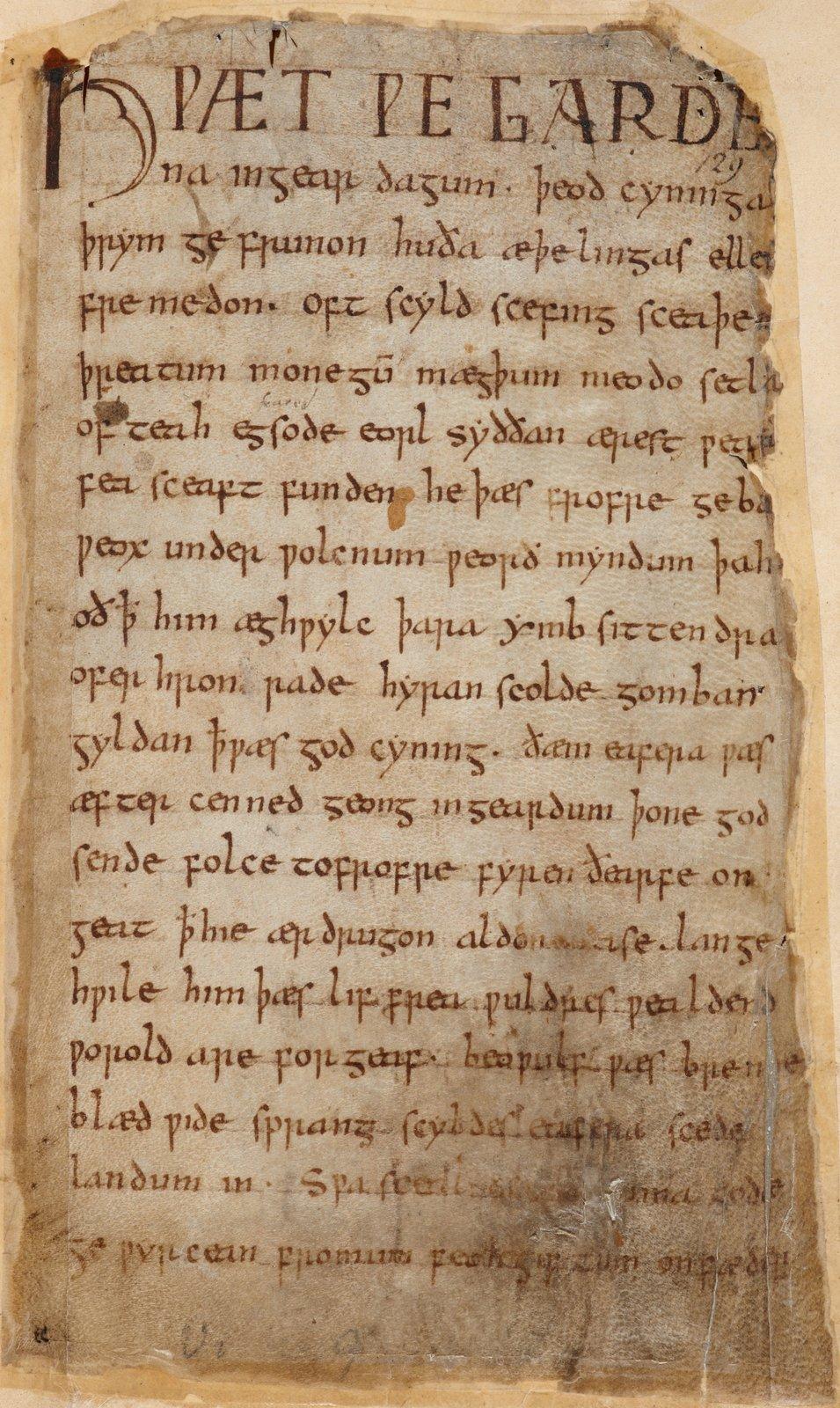 Tekst starogermańskiego poematu Beowulf, spisany wjęzyku anglosaskim wVI–VII w. Tekst starogermańskiego poematu Beowulf, spisany wjęzyku anglosaskim wVI–VII w. Źródło: British Library, licencja: CC 0.