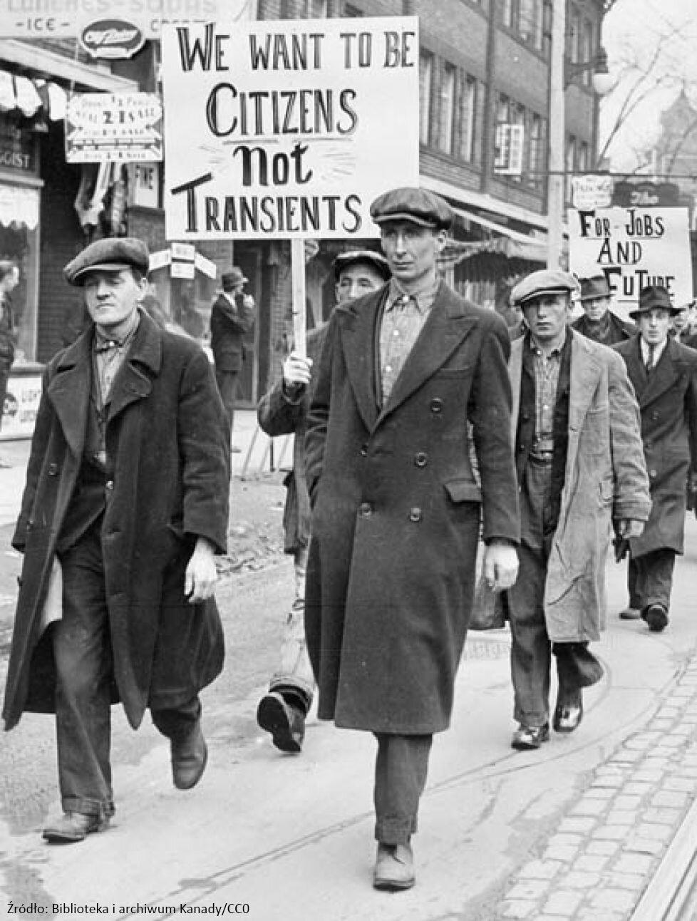 Demonstracja bezrobotnych Źródło: Demonstracja bezrobotnych, Fotografia, Biblioteka iarchiwum Kanady, domena publiczna.