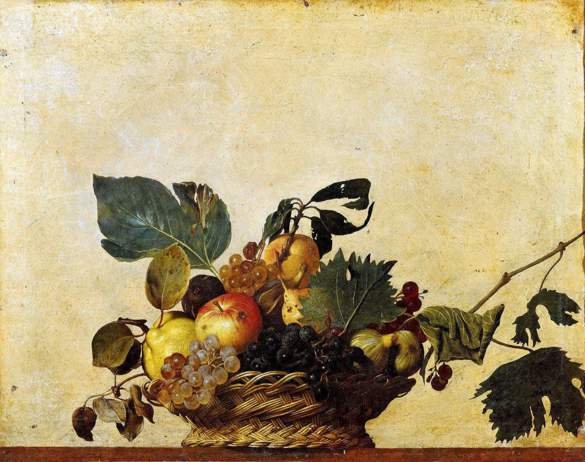 """Ilustracja przedstawia obraz Caravaggio pt. """"Kosz zowocami"""". Dzieło powstało w1597 roku. Na obrazie został przedstawiony fragment stołu zbrązowym blatem. Na blacie ustawiony jest wiklinowy, brązowy kosz, wktórym znajdują się owoce. Są to: jabłka, gruszki, cytryny, winogrona. Owoce przyozdobione są liśćmi. Autor obrazu wswoich dziełach wyrzekał się piękna ludzkiego ciała."""