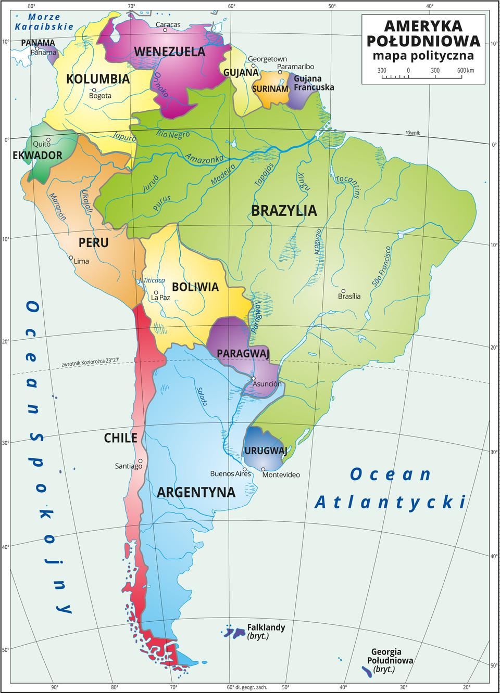 Ilustracja przedstawia mapę polityczną Ameryki Południowej. Państwa wyróżnione kolorami iopisane. Oznaczono iopisano stolice. Morza zaznaczono kolorem niebieskim iopisano. Mapa pokryta jest równoleżnikami ipołudnikami. Dookoła mapy wbiałej ramce opisano współrzędne geograficzne co dziesięć stopni.