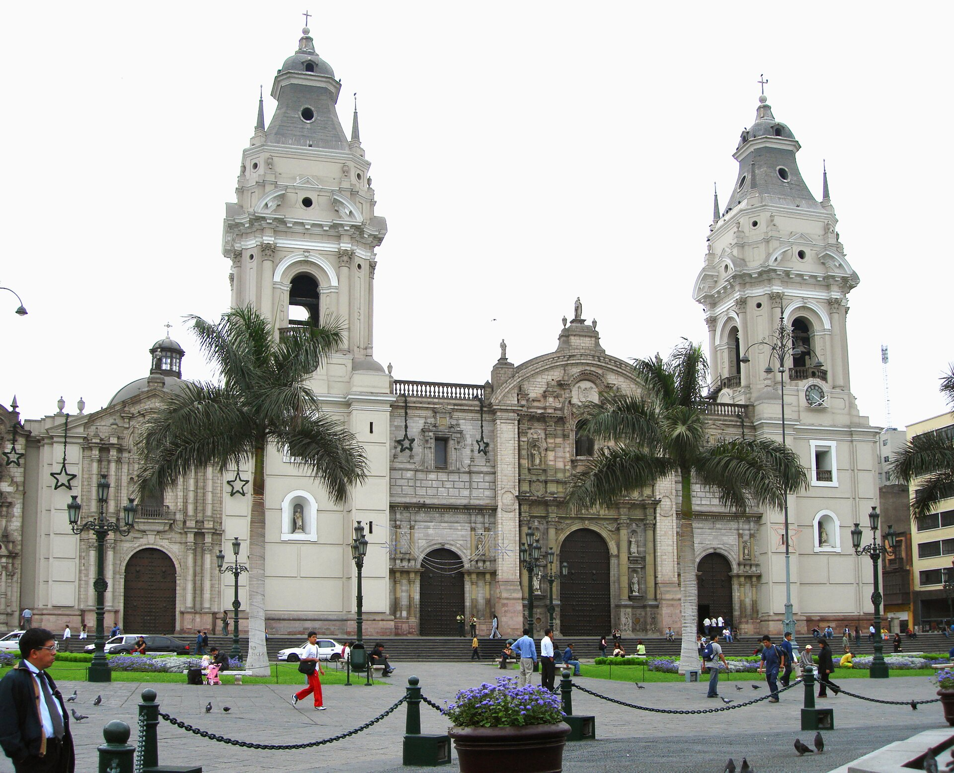 Wielkie kościoły barokowe wAmeryce kolonialnej: Katedra wLimie Wielkie kościoły barokowe wAmeryce kolonialnej: Katedra wLimie Źródło: Victoria Alexandra González Olaechea Yrigoyen, Wikimedia Commons, licencja: CC BY-SA 3.0.