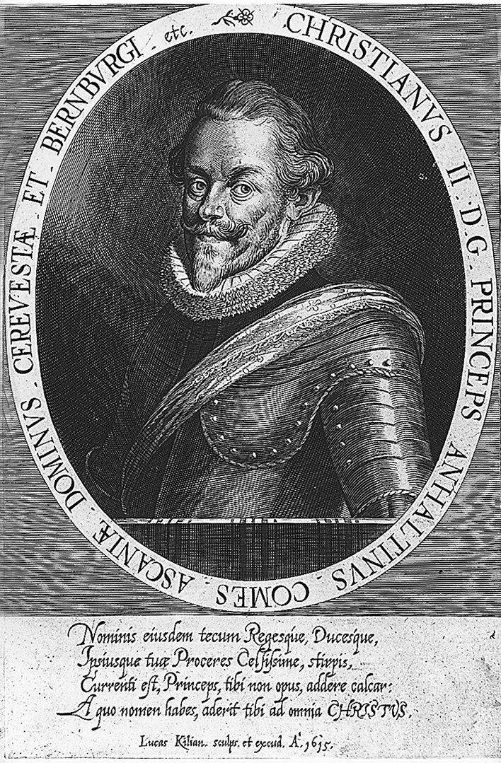 Christian IAnhalt-Bernburg Christian I, książęAnhalt-Bernburg. Dowodził wojskami protestanckimi wbitwie pod Białą Górą w1620 r. Po przegranej schronił się najpierw wSzwecji, anastępnie nawiązał współpracę zChristianem IV, królem Danii. Wielokrotnie wnosił do cesarza Ferdynanda II ołaskę iw1624 roku dostał pozwolenie na powrót do swych posiadłości. Źródło: Lucas Kilian, Christian IAnhalt-Bernburg, 1615, miedzioryt, domena publiczna.