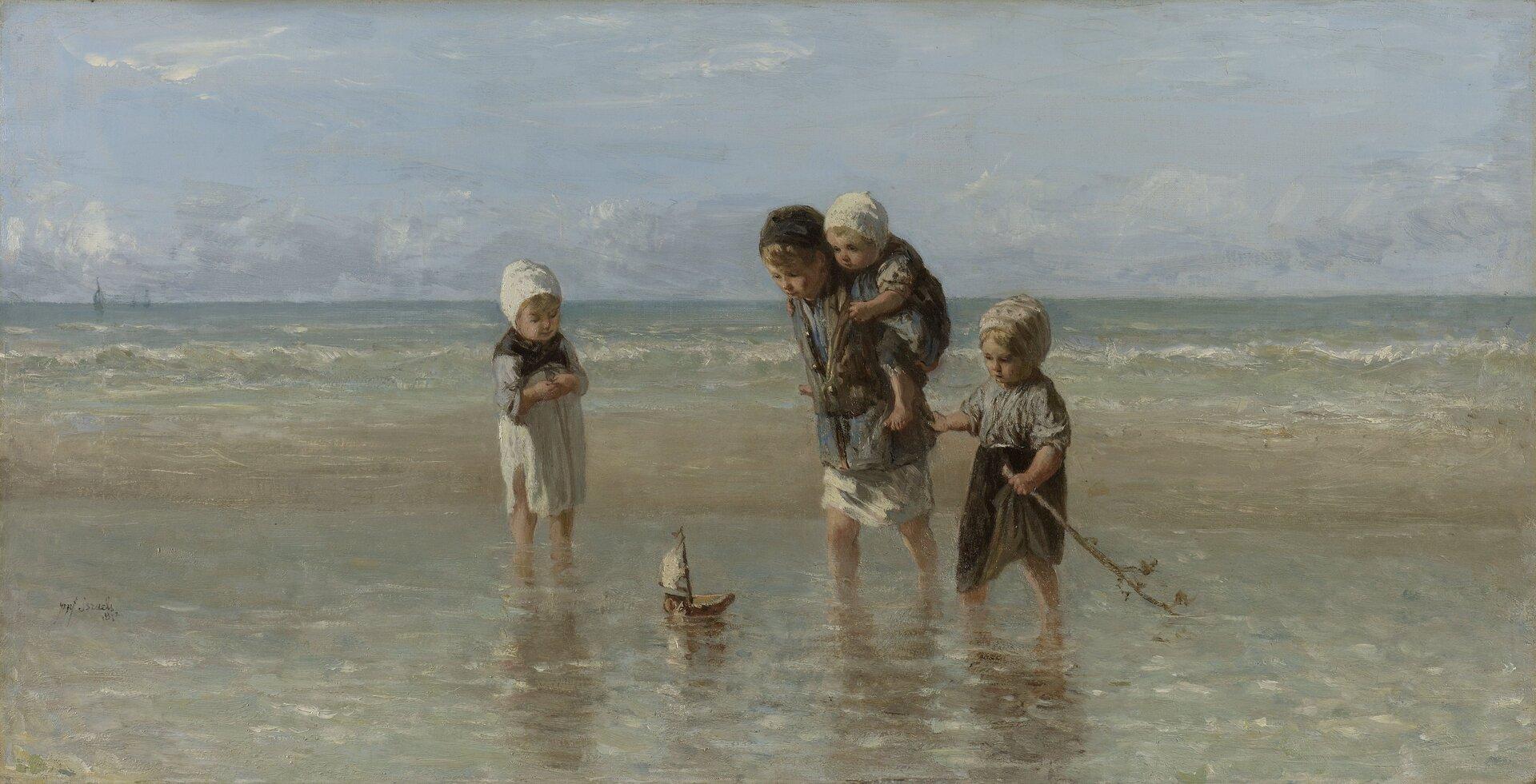 """Ilustracja przedstawia obraz Jozef Israëls pt. """"Dzieci morza"""". Dzieło przedstawia grupę dzieci beztrosko się bawiących się statkiem nad brzegiem morzem. Dzieci mają na sobie stare odrapane ubrania, ana głowach założone chusty. Najstarszy chłopiec dźwiga najmniejszego członka rodziny na ramionach. Wtle widoczne jest falujące morze. Wdziele przeważają odcienie oliwkowe praz błękitu."""