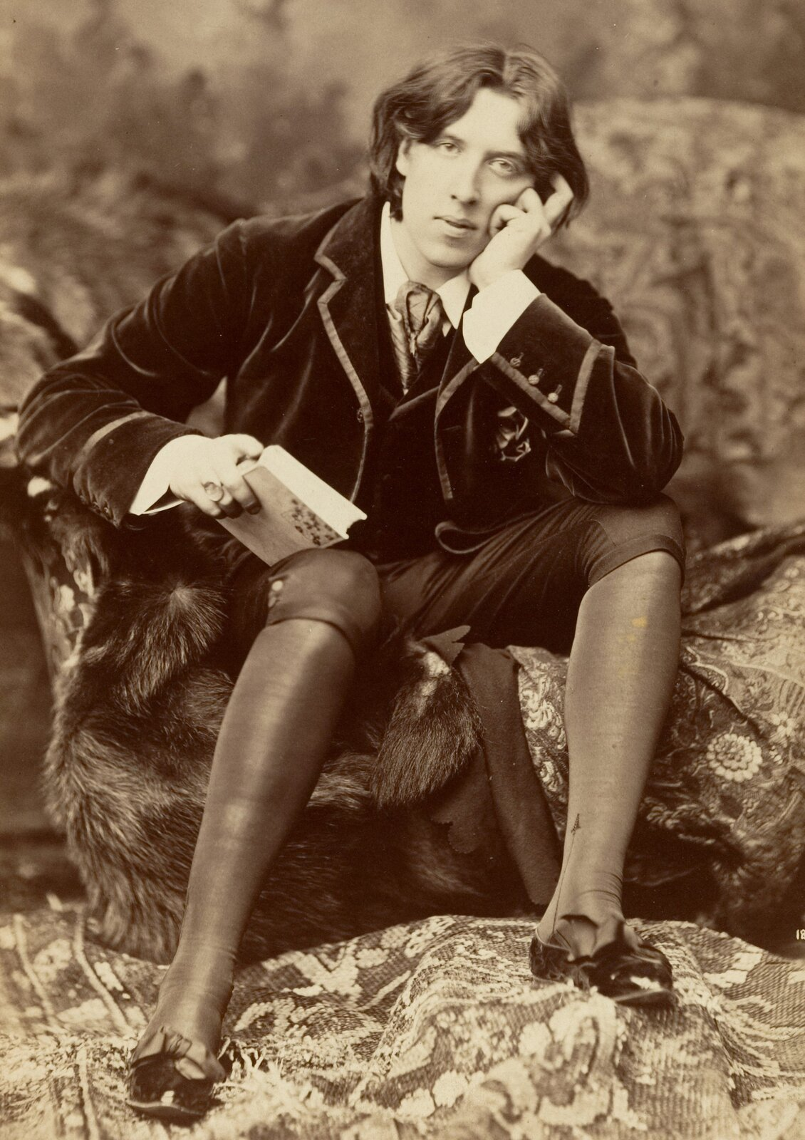 Portret Oscara Wilde'a Portret Oscara Wilde'a Źródło: Napoleon Sarony, ok. 1882, domena publiczna.