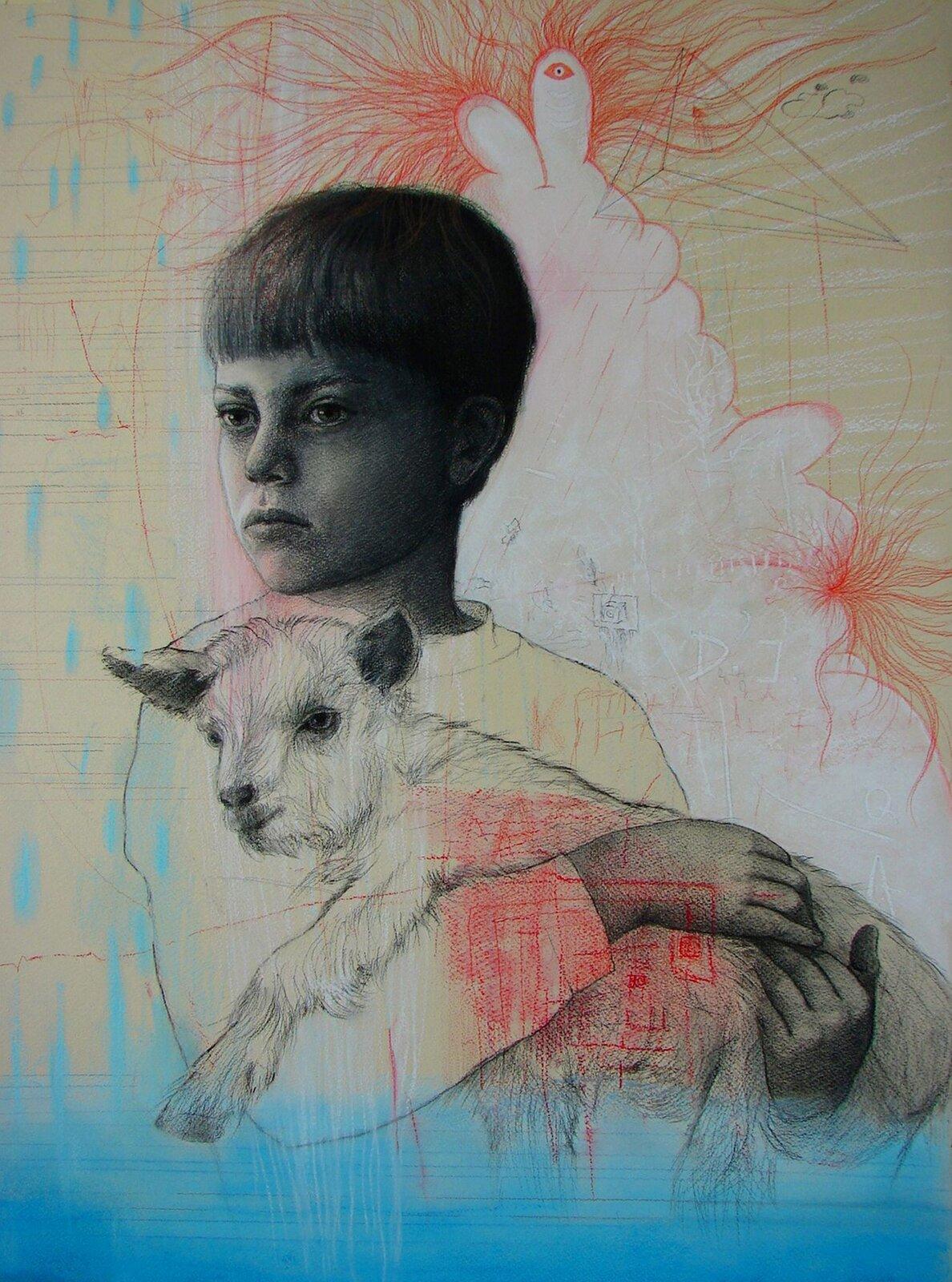 """Ilustracja przedstawia obraz """"Chłopiec zkozą """" autorstwa Ewy Bińczyk. Dzieło ukazuje pastelowy portret chłopca trzymającego kózkę. Postać dziecka, umieszczona wcentrum została wykonana za pomocą czarno-białego rysunku. Artystka zdużą dbałością oszczegół odwzorowała naturę. Ubrany wbluzę chłopiec zkrótkimi włosami spogląda wprawą stronę. Twarz jest bardzo poważna. Pastel wykonany jest na jasnym beżowo-żółtym tle. Za postacią widnieje czerwony, delikatny rysunek chmurzastego kształtu zwystającymi zza niego, wijącymi się liniami. Czerwony rysunek znajduje się również na postaci kozy – tym razem jest to rodzaj labiryntu. Dolną partię obrazu przysłania półprzezroczysty błękit. Wgórnym prawym rogu narysowany został przez artystkę trójkątny, przestrzenny kształt. Dzieło wykonane jest techniką pasteli."""
