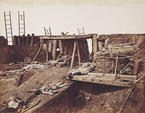 Fort Taku Jeden zplenerów, wktórych toczyła się tzw. wojna opiumowa zChinami. Źródło: Felice Beato, Fort Taku, 1860.