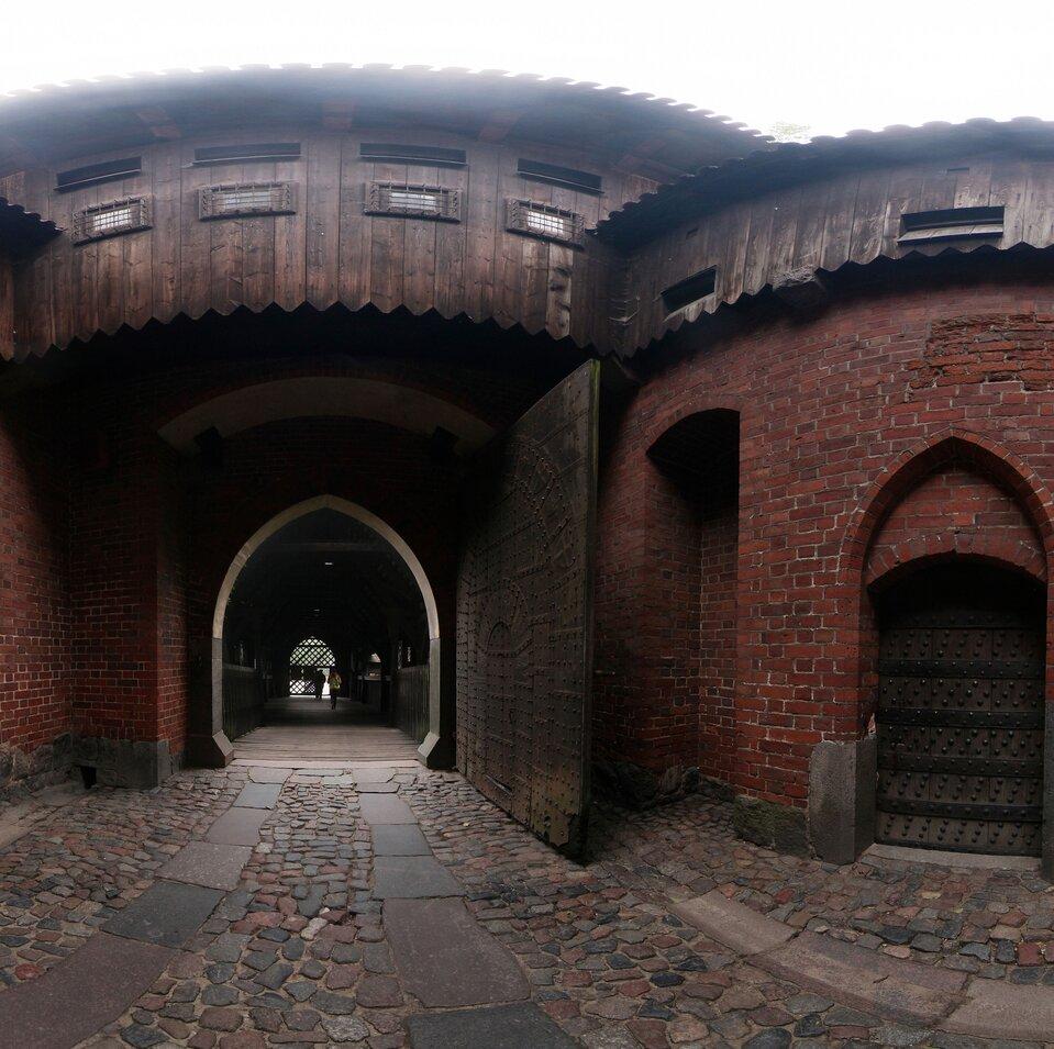 Wycieczka wirtualna po zamku wMalborku