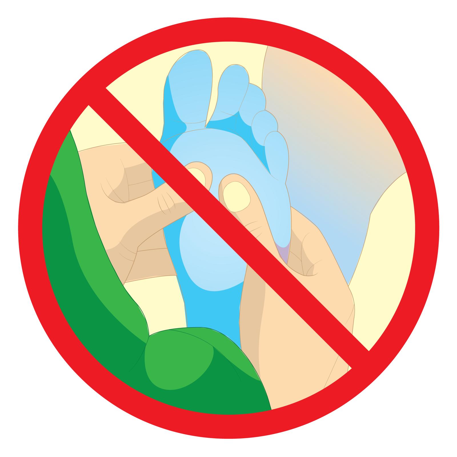 Trzeci piktogram przedstawia błękitną stopę oraz dwie dłonie masujące stopę. Dwa kciuki wspierają się na górnej części spodu stopy. Powyżej napis: nie rozcieraj, nie masuj.