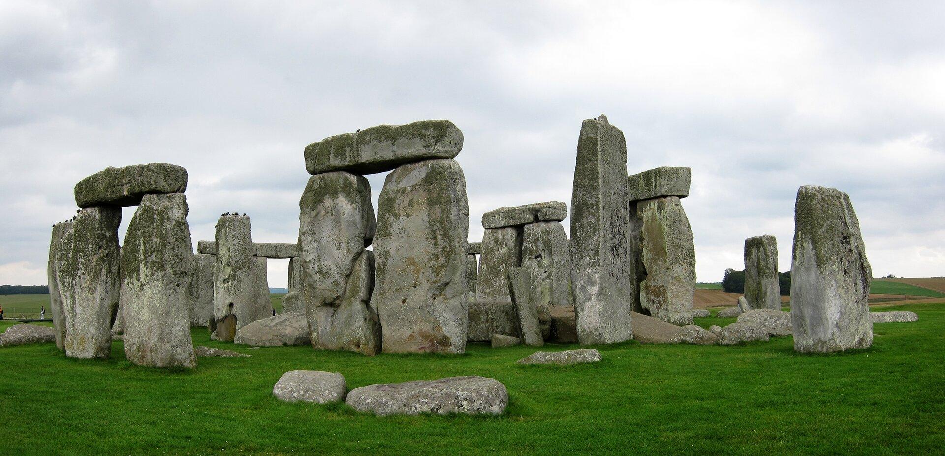 Stonehenge, Anglia Stonehenge, Anglia Źródło: Velvet, fotografia barwna, licencja: CC BY-SA 3.0.