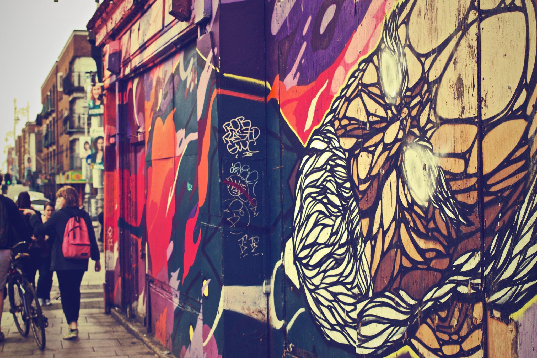 Uliczne graffiti Źródło: pexels, Uliczne graffiti, licencja: CC 0.