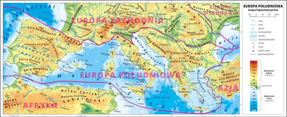 Ilustracja przedstawia mapę hipsometryczną południowej części Europy, północnej części Afryki ifragmentu Azji. Wobrębie lądów występują obszary wkolorze zielonym, żółtym, pomarańczowym iczerwonym. Morza zaznaczono kolorem niebieskim. Na mapie opisano nazwy wysp, półwyspów, nizin, wyżyn ipasm górskich, mórz, zatok, rzek ijezior. Oznaczono iopisano główne miasta. Oznaczono czarnymi kropkami iopisano szczyty górskie. Czerwonymi liniami zaznaczono granice między poszczególnymi częściami Europy iopisano ich nazwy. Wcentralnej części mapy znajduje się Europa Południowa. Mapa pokryta jest równoleżnikami ipołudnikami. Dookoła mapy wbiałej ramce opisano współrzędne geograficzne co pięć stopni. Wlegendzie przedstawiono iopisano znaki użyte na mapie.
