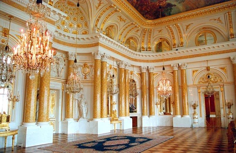 Sala Wielka Sala Wielka Źródło: Ewa Wojciechowska, Marek Wojciechowski, Wikimedia Commons, licencja: CC BY-SA 3.0.