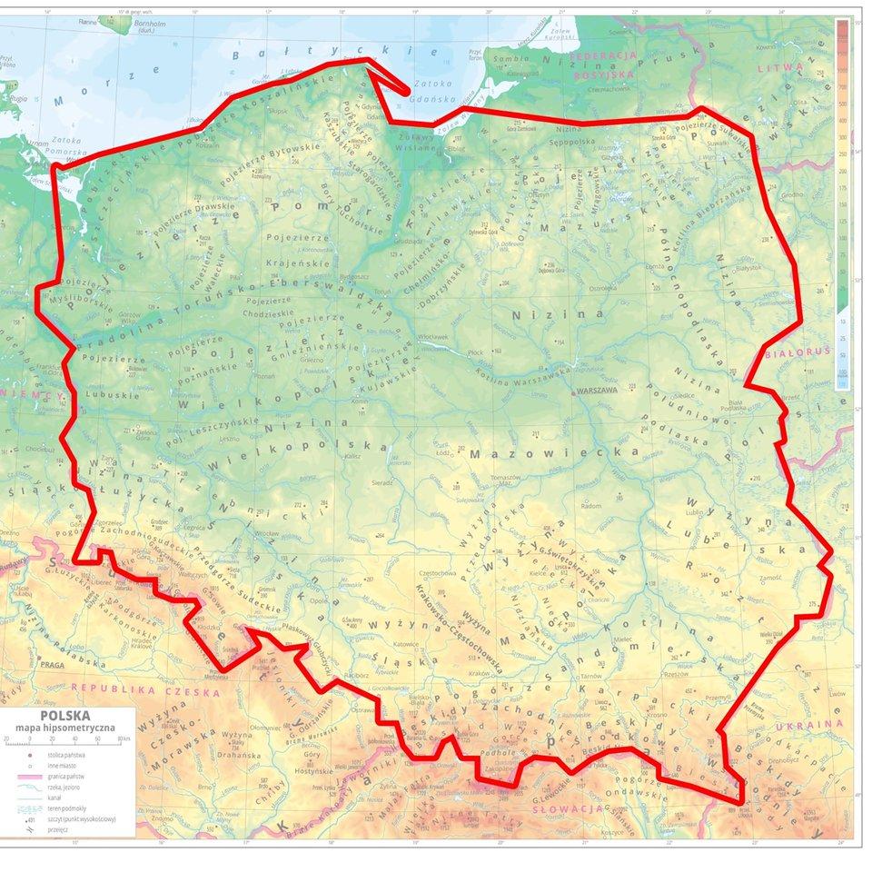 fizyczna mapa Polski obrysowana konturem wkolorze czerwonym