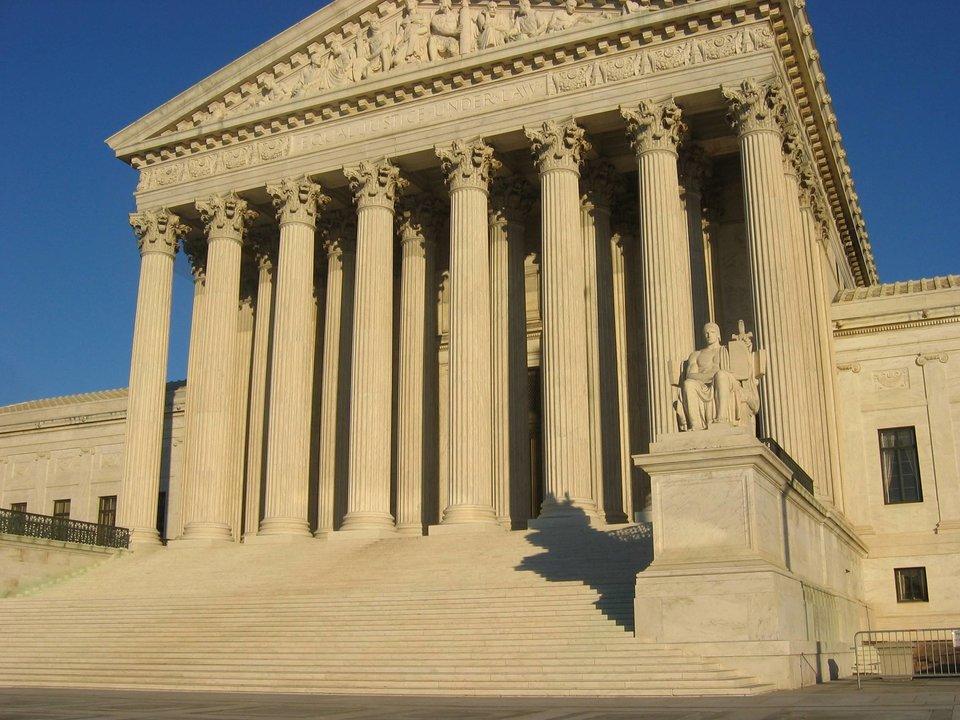 Obecny gmach Sądu Najwyższego wWaszyngtonie, wzniesiony w1935 r. Obecny gmach Sądu Najwyższego wWaszyngtonie, wzniesiony w1935 r. Źródło: Duncan Lock, Wikimedia Commons, licencja: CC BY-SA 3.0.