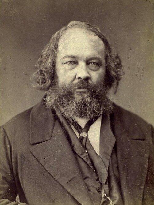 na zdjęciu twarz mężczyzny zbrodą -Michała Bakunina