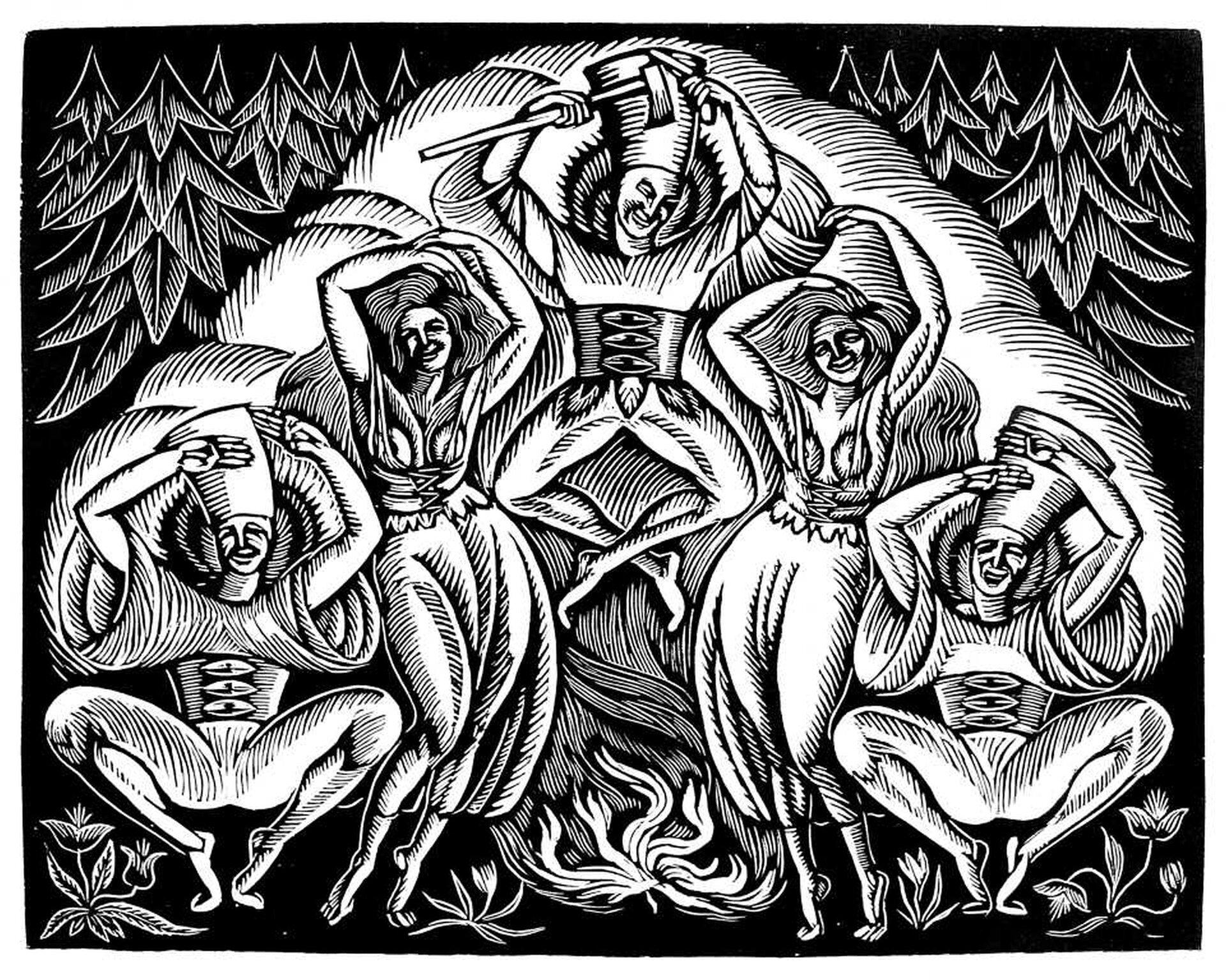 """Ilustracja przedstawia czarno-biały drzeworyt Władysława Skoczylasa """"Taniec"""". Ukazuje symetrycznie skomponowana scenę, wktórej postacie tańczą przy ognisku. Na szczycie kompozycji znajduje się mężczyzna skaczący nad ogniskiem, trzymający wprawej dłoni ciupagę. Po bokach tańczą dwie kobiety oraz dwaj mężczyźni. Wszystkie postacie ubrane są wregionalne stroje. Mężczyźni mają na sobie obcisłe spodnie iluźne koszule oraz szerokie pasy zklamrami. Kobiety ubrane są wdługie spódnice idopasowane, wiązane wpasie bluzki. Postacie ukazane są na tle chmury dymu. Wtle znajduje się iglasty las."""