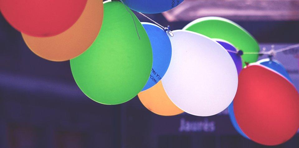 …oraz kolorowe dekoracje …oraz kolorowe dekoracje Źródło: domena publiczna.