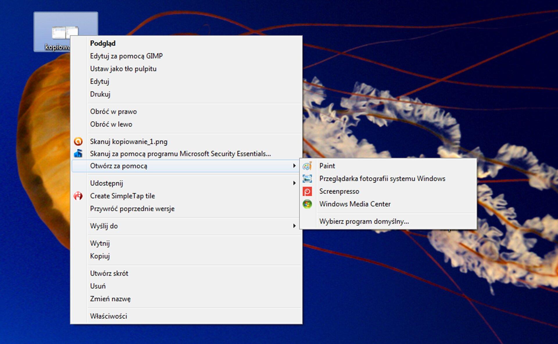 Zrzut okna pulpitu systemu Windows zpokazanym menu kontekstowym otwierania pliku graficznego