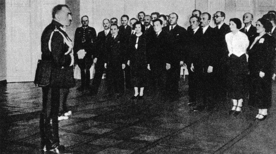 Felicjan Sławoj Składkowskiprzemawia do urzędników Prezydium Rady Ministrów