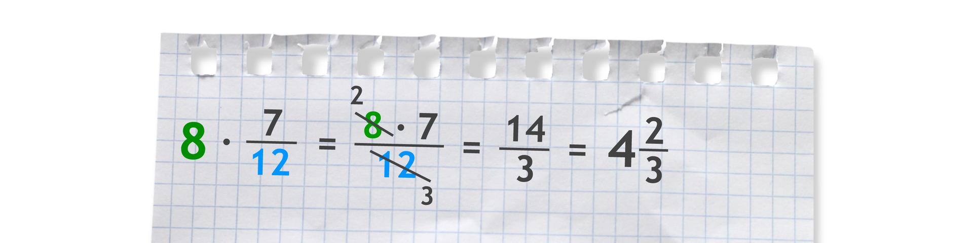 Przykład: 8 razy siedem dwunastych (po skróceniu liczby 8 wliczniku zliczbą 12 wmianowniku przez 4) równa się czternaście trzecich równa się cztery całe idwie trzecie.