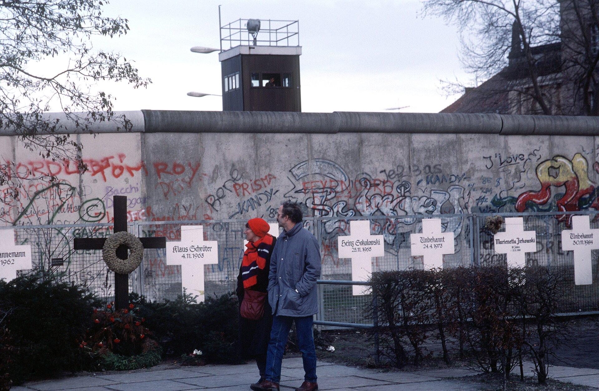 Mur berliński Źródło: DoD, Fotografia, domena publiczna.