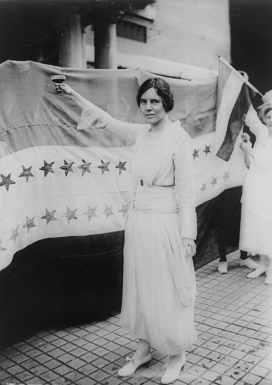 Amerykańska feministka Alice Paul Źródło: Harris & Ewing, Amerykańska feministka Alice Paul, 1920, Library of Congress, domena publiczna.