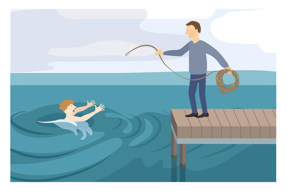 Ilustracja 3. Zprawej strony – na pomoście stoi mężczyzna. Zlewej, wwodzie, osoba tonąca. Osoba tonąca wyciąga obie ręce wstronę pomostu. Mężczyzna na pomoście jest skierowany wstronę tonącego. Wrękach trzyma linę. Wprawej ręce zwinięta lina. Wlewej ręce drugi koniec liny, który rzuca wstronę tonącego. Instrukcja: rzuć tonącemu linę, koło ratunkowe lub specjalną rzutkę ratowniczą.