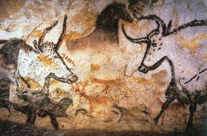 Rysunki zwierząt na ścianie wjaskini