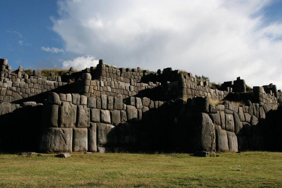Twierdza nieopodal Cusco Sacsayhuamán Twierdza nieopodal Cusco Sacsayhuamán Źródło: Esoltas, domena publiczna.