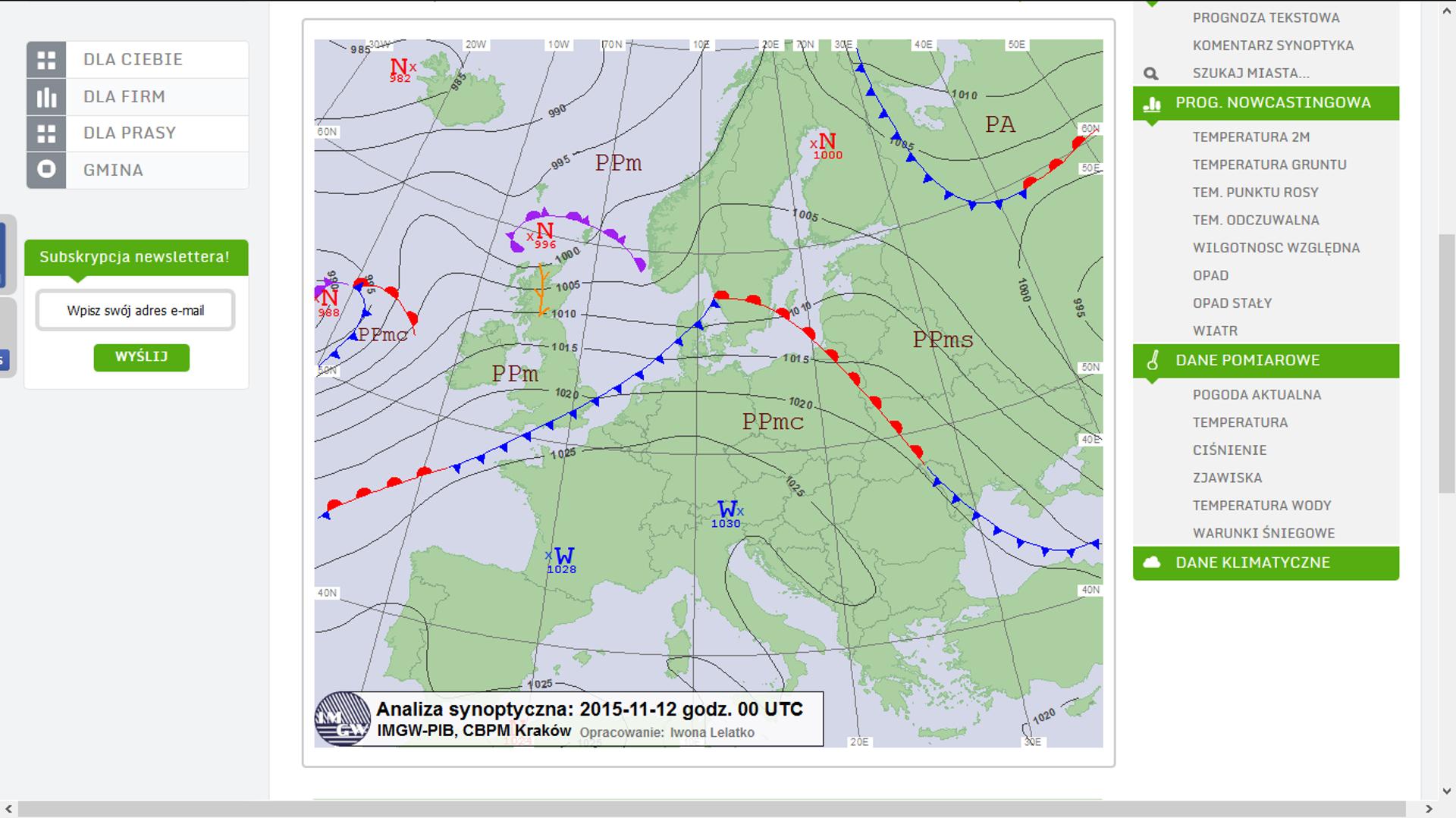 Na ilustracji mapa pogody dla Europy. Lądy zielone, wody niebieskie. Zaznaczone ośrodki niżowe na północy, nad wodami iwyżowe na południu, nad lądem. Opisane izobary. Oznaczone masy powietrza PPm – na północy nad morzem, PA – na połnocy nad lądem, PPm – nad Wielką Brytanią, PPms - nad Białorusią , PPmc – nad Polską .