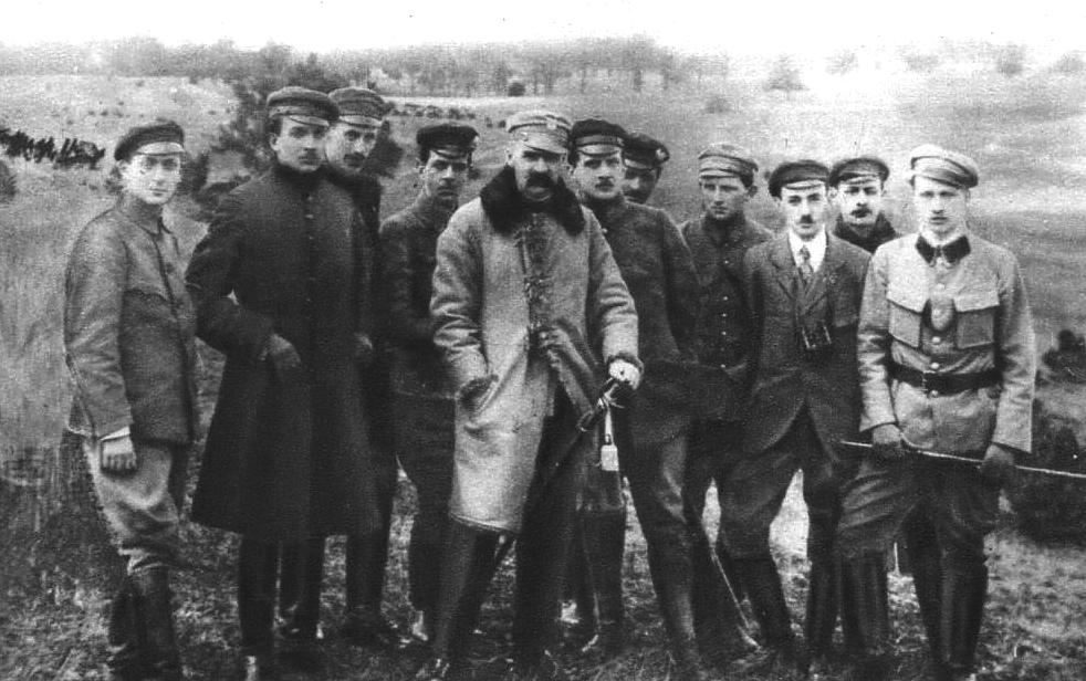 Komenda Naczelna POW podczas ćwiczeń Źródło: Komenda Naczelna POW podczas ćwiczeń, 1917.
