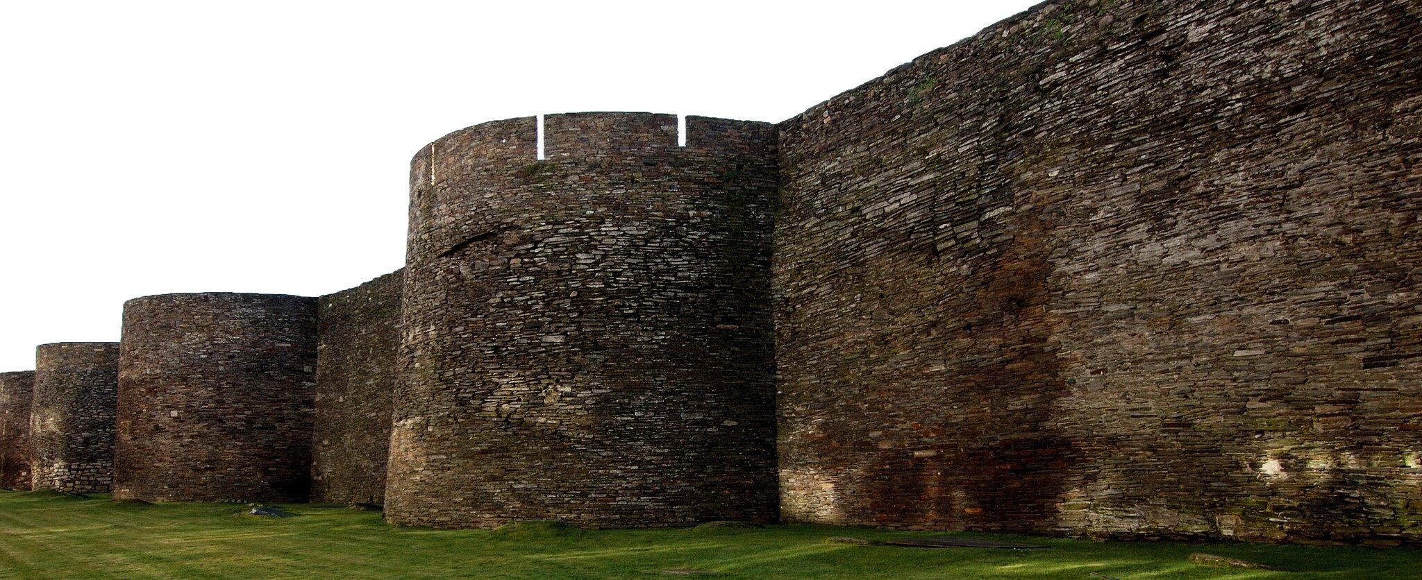 Potężne mury obronne wmieście Lugo Potężne mury obronne wmieście Lugo Źródło: Rosa Cabecinhas & Alcino Cunha (Rosino), Wikimedia Commons, licencja: CC BY-SA 2.0.